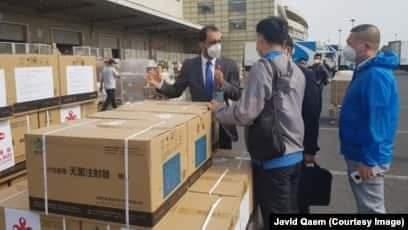 چین کې د افغانستان سفیر: ډېر ژر به د کرونا ضد یو میلیون ډوزه واکسین کابل ته ولېږدوو