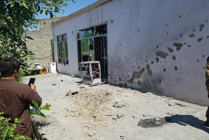 مرکز مهترلام کې توغول شوي توغندي څلور تنکي ماشومان ټپیان کړل.